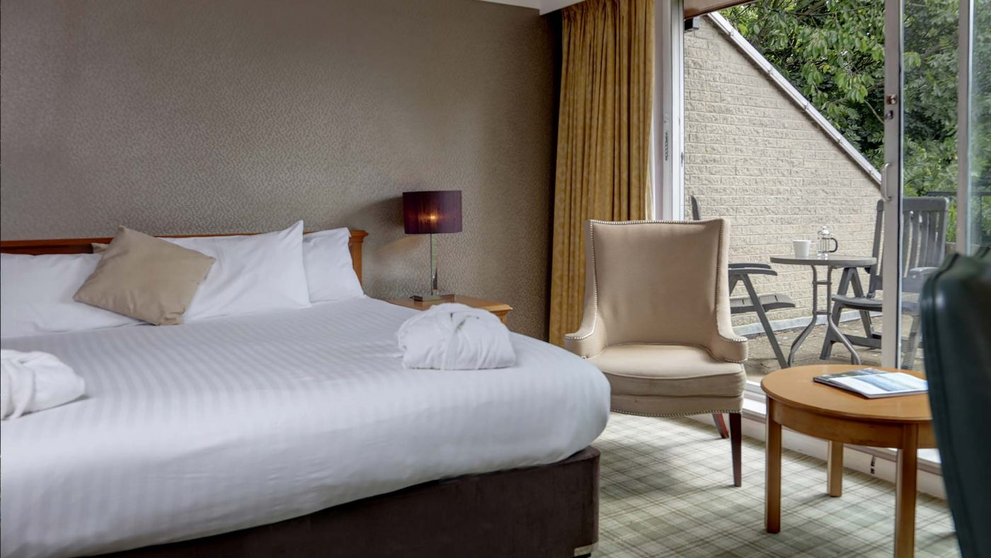 4 star Hotels in Sheffield Mercure Sheffield Kenwood Hall Hotel and Spa Double Bedroom