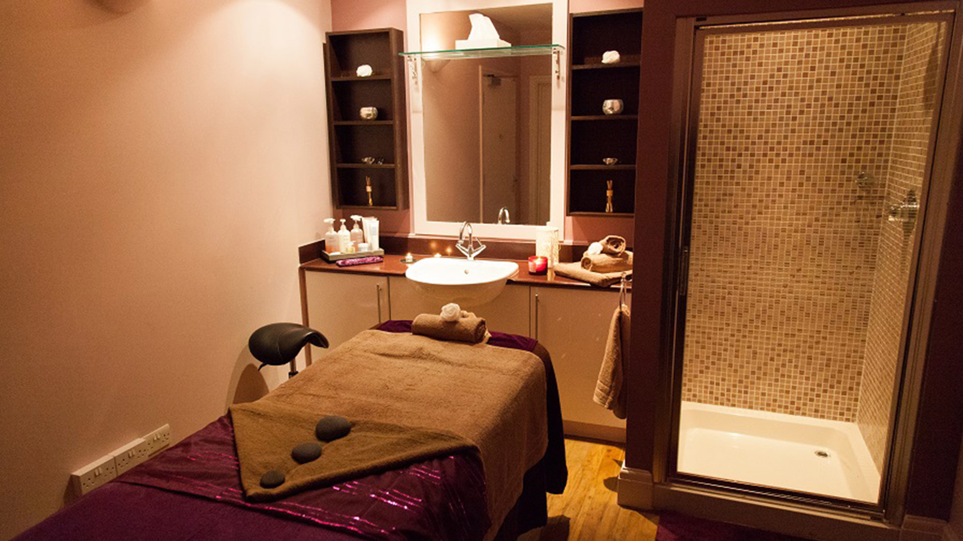 Hotels in Sheffield Mercure Sheffield Kenwood Hall Hotel and Spa treatment room