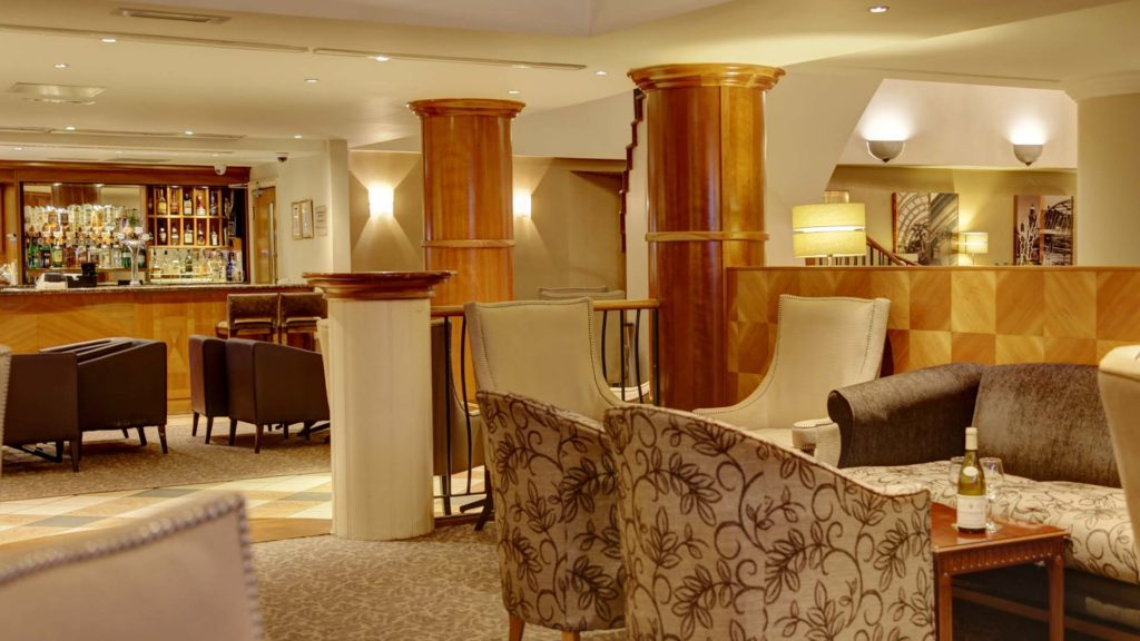 4 star Hotels in Sheffield Mercure Sheffield Kenwood Hall Hotel and Spa Lounge Bar