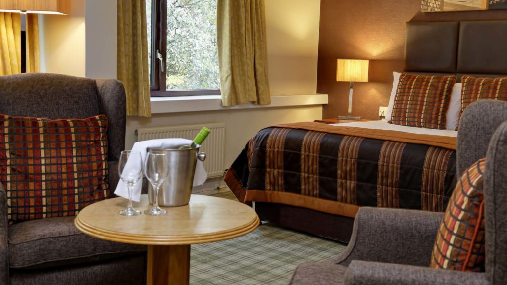 4 star Hotels in Sheffield Mercure Sheffield Kenwood Hall Hotel and Spa double room